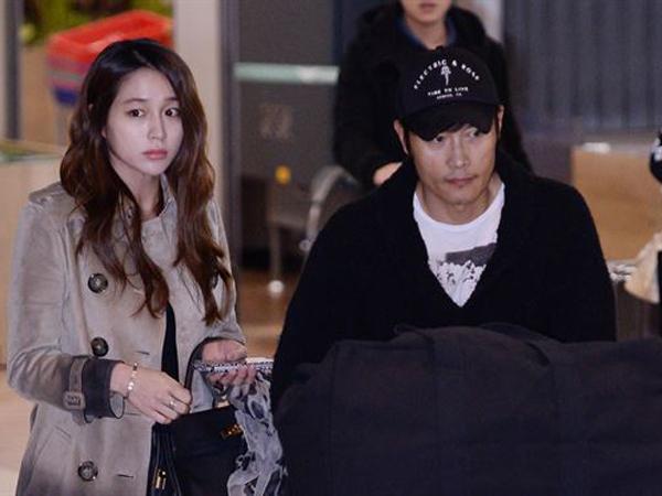 Tiba di Korea Bersama Sang Istri, Lee Byung Hun Langsung Minta Maaf di Depan Publik