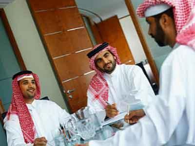 Terlalu Tampan, Saudi Tahan 3 Pemuda