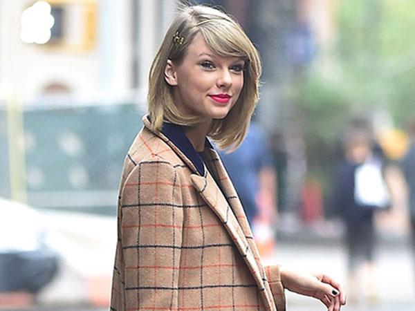 Wah, Taylor Swift Beri Uang 1.989 Dollar Pada Fans untuk Bayar Pinjaman Mahasiswa!
