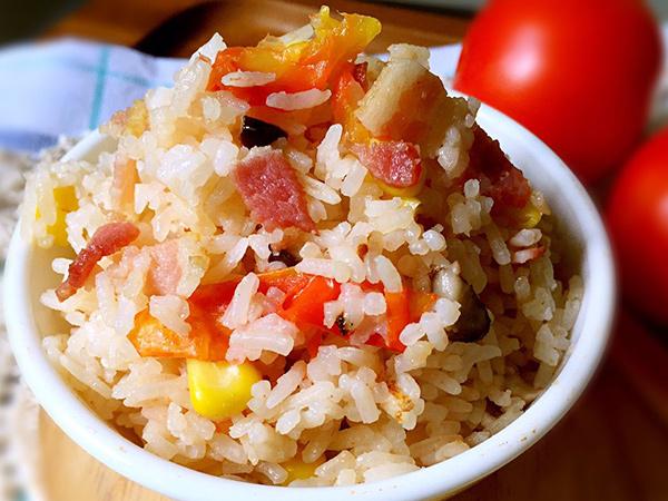 Cuma Pakai Rice Cooker, Ini Resep Nasi Gurih Gak Pake Ribet untuk Berbuka