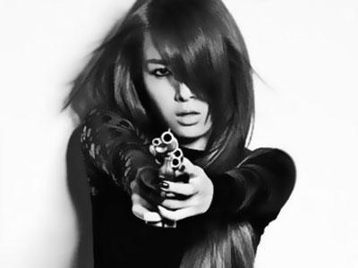 Yoobin Wonder Girls Kunjungi Para Aktor 'The Virus' di Set Syuting