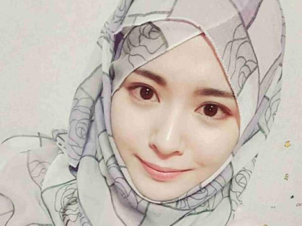 Warna 'Wajib' Jilbab untuk Hijabers yang Mempermudah Mix and Match!
