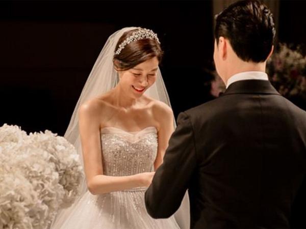 Resmi Menikah, Cantiknya Kim Ha Neul dengan Balutan Gaun Pengantin