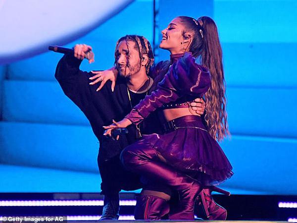 Belum Konfirmasi Pacaran, Ariana Grande Disebut Putus dengan Mikey Foster