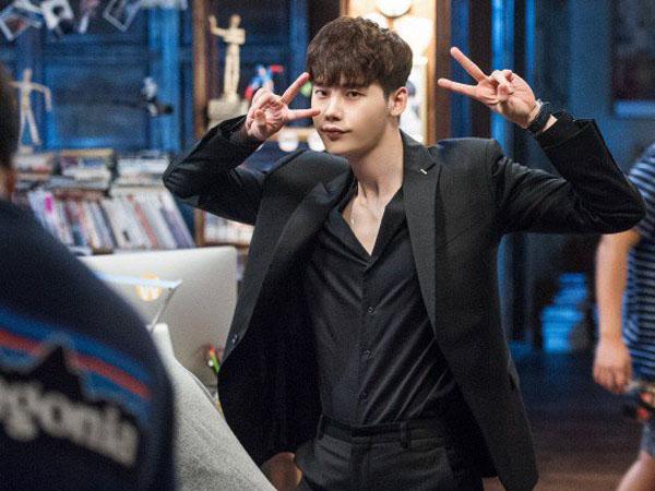 Intip Aksi Kocak Lee Jong Suk di Balik Layar Drama 'W'