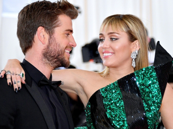 80liam-hemsworth-miley-cyrus.jpg
