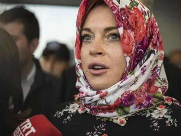 Lindsay Lohan Akui Sudah Puasa Ramadhan dan Baca Al-Quran