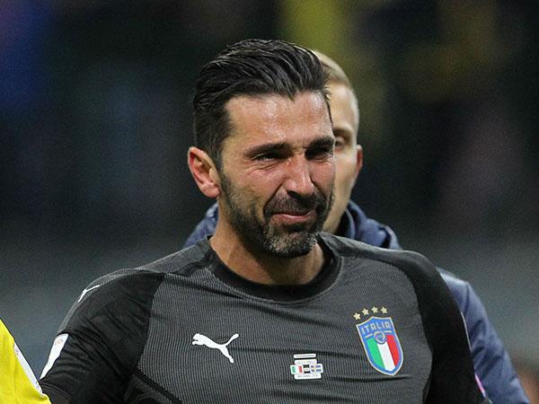 Italia Gagal ke Piala Dunia 2018, Gianluigi Buffon Menangis dan Ungkap Mundur dari Timnas
