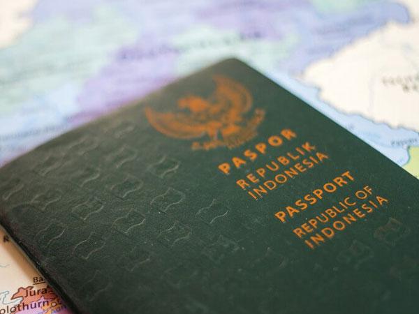 Ini Alasan Kenapa Foto Paspor Sebaiknya Dilakukan Sambil Tersenyum