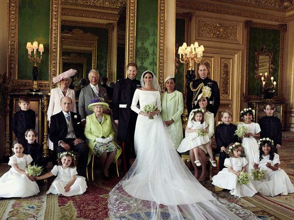 Terungkap Foto Resmi Pertama Meghan Markle Bersama Royal Family