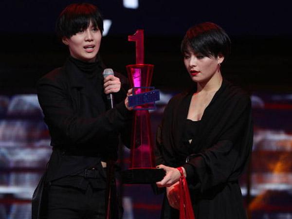 Kemenangan Taemin SHINee Dituduh Tak Adil, Ini Respon Acara 'Hit The Stage'