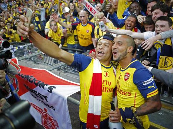 Puncaki Klasemen Sementara Liga Inggris, Arsenal Juga Klub Paling Banyak Selfie