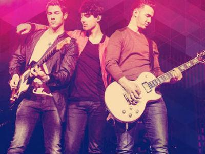 Dikabarkan Bubar, Kini Jonas Brothers Batalkan Tur Gara-gara Narkoba?
