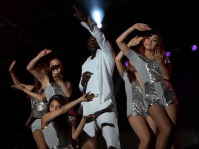 Ini Dia 7 Kolaborasi Memukau Antara Idola K-Pop dan Musisi Internasional