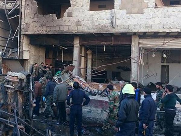 ISIS Kembali Lancarkan Serangan Bom Bunuh Diri, 60 Tewas di Masjid Suci Suriah
