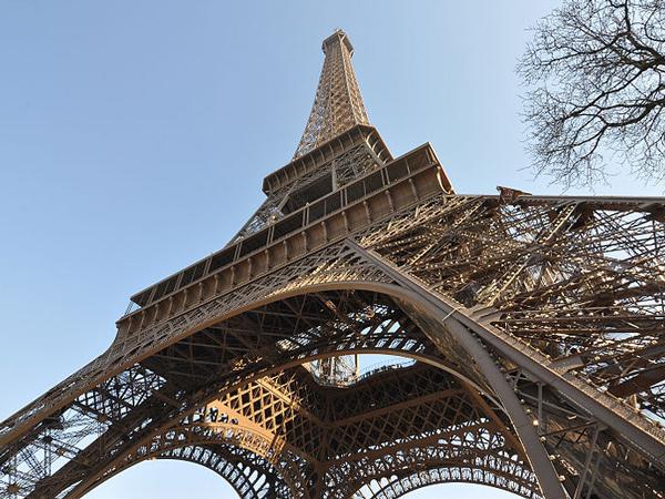 Akan Dibuka Kembali, Pengunjung Menara Eiffel Harus Siap Ekstra Tenaga