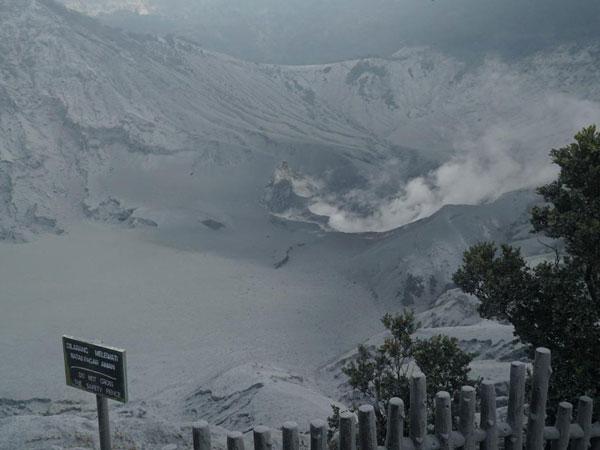Gunung Tangkuban Parahu Naikkan Status untuk Warga Jauhi Radius 1,5 Km
