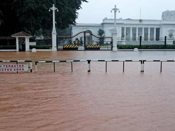 Ini Suasana Kawasan Istana Kepresidenan Saat Kena Banjir