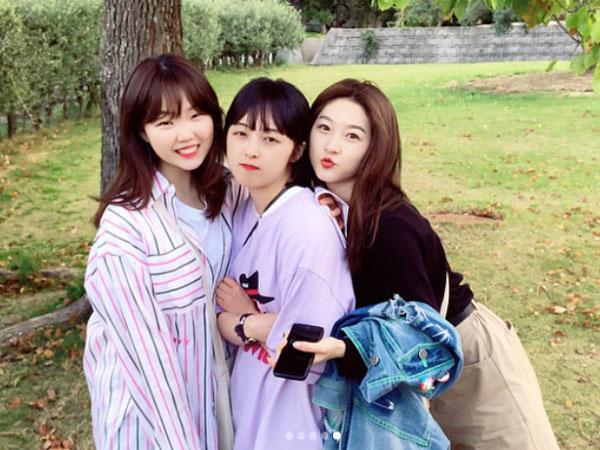 Beri Dukungan Manis untuk Kim Bo Ra 'Her Private Life', Suhyun AkMu dan Kim Sae Ron Tulis Pesan Lucu