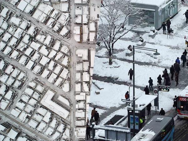 Terlebat dalam 3 Tahun, Potret Seoul Jadi Kota Putih Diselimuti Salju Tebal