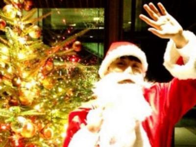 Ucapkan Natal, Seungri Tampil Bak Santa Klaus