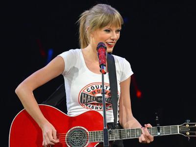 Tur Inggris Selesai, Taylor Swift Potong Pendek Rambutnya!