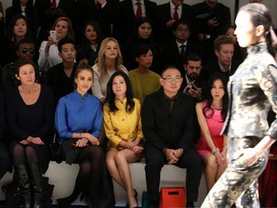 Bayaran Mahal Aktris Untuk Hadiri Fashion Show