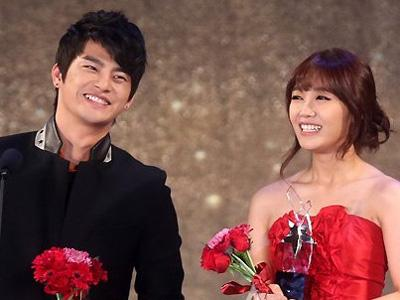 Eunji A Pink dan Seo In Guk Raih Triple Crown dalam K-Drama Star Awards 2012