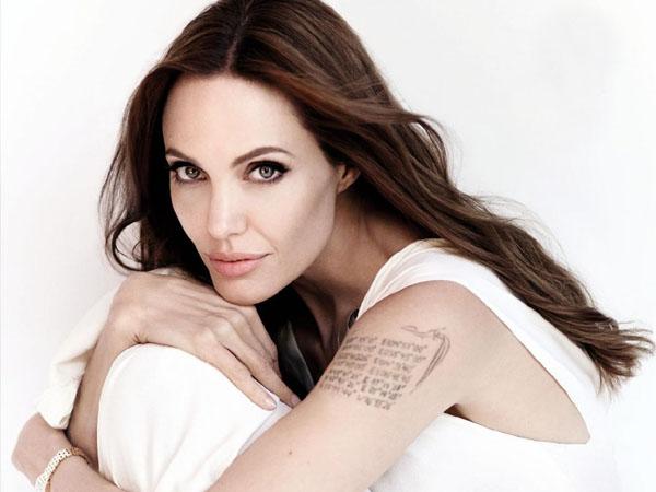 Angelina Jolie Pamer Tiga Tato Baru Penuh Makna, Apa Sih Artinya?