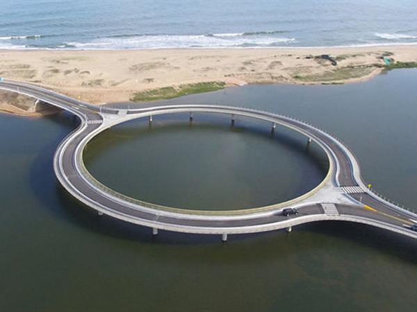Keren, Jembatan Bulat Ini Dibangun Karena yang Alasan Unik!