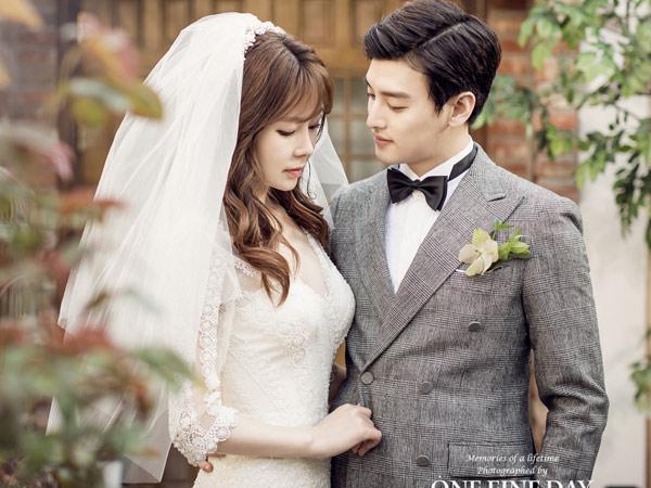Ini yang Buat Eli dan Istri Menangis Saat U-Kiss Nyanyi di Pesta Pernikahannya