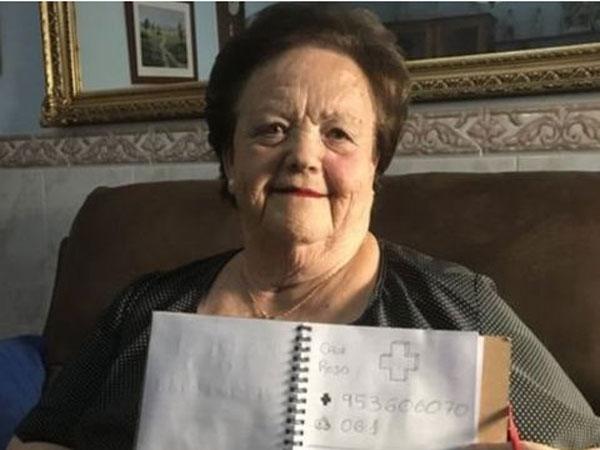 Tak Bisa Baca Tulis, Nenek Ini Bisa Menelepon Karena Cara Manis Cucunya