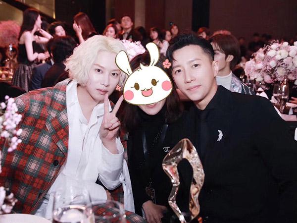 10 Tahun Pisah, Reuni Singkat Heechul dan Hangeng Bikin Fans Baper