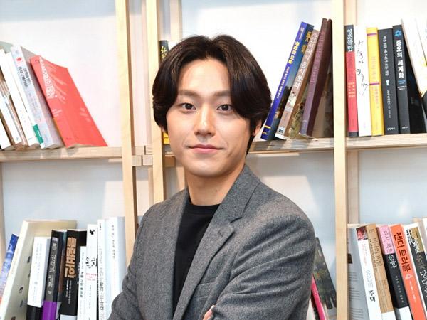 Lee Do Hyun Cerita Momen Memalukan Saat Syuting 'Hotel del Luna'
