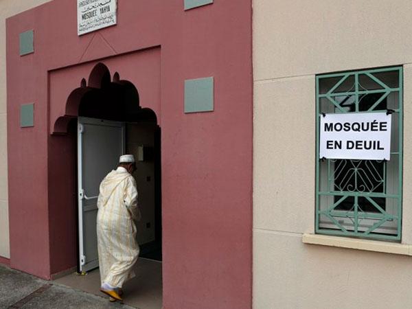 Puluhan Masjid Ditutup di Perancis Akibat Serangan Teror Paris