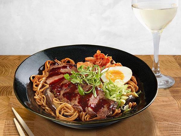 Yuk Buat Kreasi Mie Bulgogi A la 'Youn's Kitchen' yang Sampai Viral Ini!