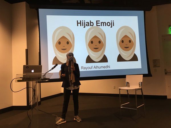Sosok Remaja Cantik di Balik Emoji Hijab yang Baru Dirilis Apple