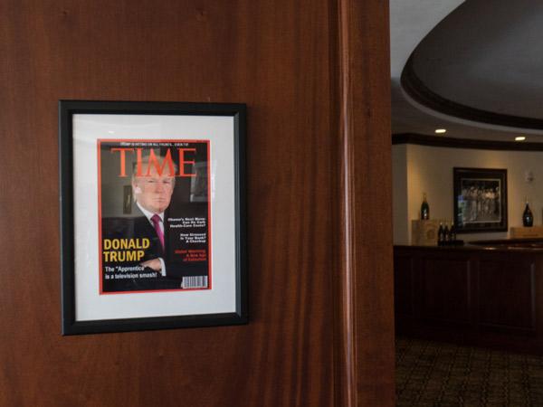 Ternyata Donald Trump Punya Hobi Pajang Foto Sendiri di Majalah Palsu