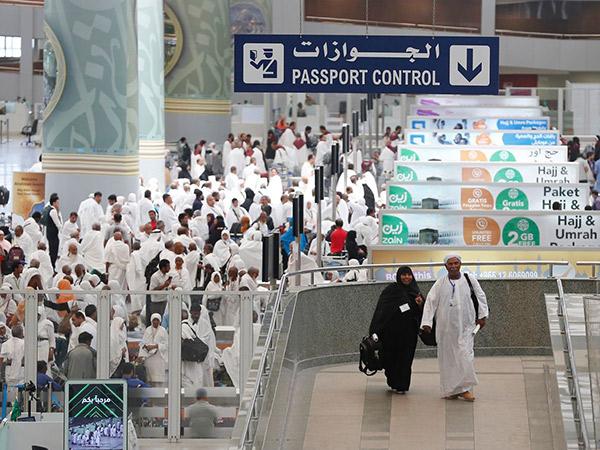 Arab Saudi Hentikan Sementara Umroh Terkait Penyebaran Virus Corona