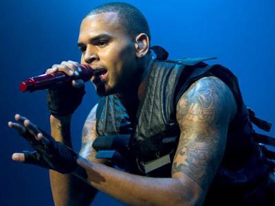 Dicekal Kelompok Pembela Wanita, Konser Chris Brown Dibatalkan