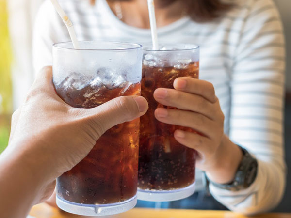 Bahaya Konsumsi Minuman Bersoda Terlalu Sering Bagi Kesehatan Tubuh