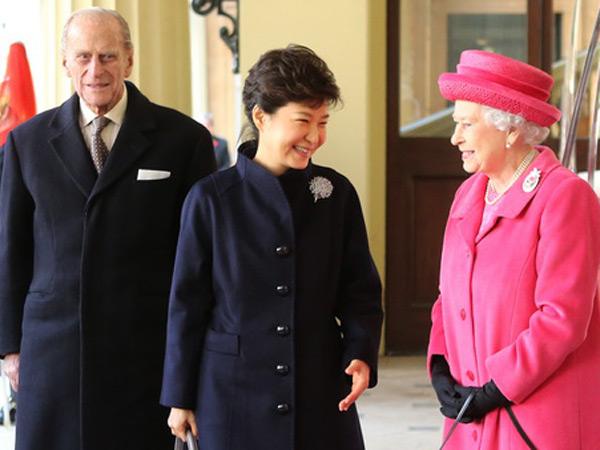 Terungkap, Permintaan 'Aneh' Park Geun Hye Saat Kunjungan ke Inggris Ini Bikin Geram Publik