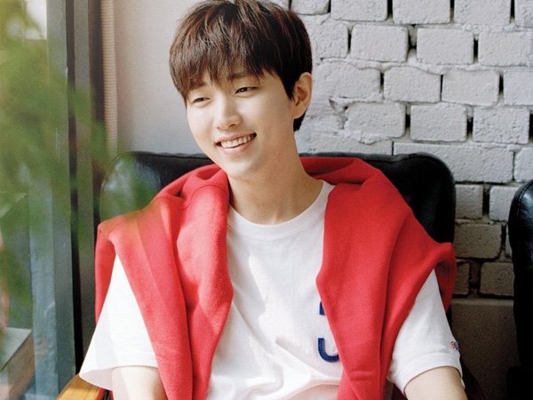 Resmi Debut Solo, Sandeul B1A4 Unjuk Vokal Merdu nan Sendu di MV 'Stay As You Are'