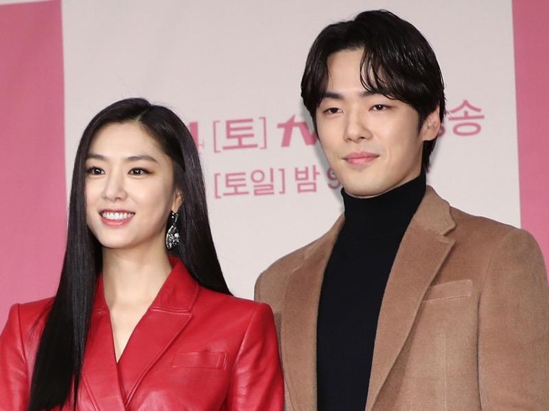 Agensi Seo Ji Hye Bantah Dispatch, Bukan Kencan Tapi Ngobrol Soal Kontrak Kerja