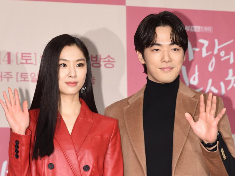 Agensi Kim Jung Hyun Ikut Bantah Rumor Pacaran dengan Seo Ji Hye