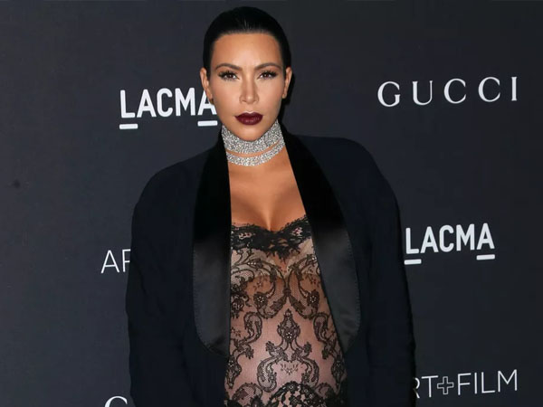 Satu Bulan Melahirkan, Kim Kardashian Pamer Foto Perdana Anak Keduanya