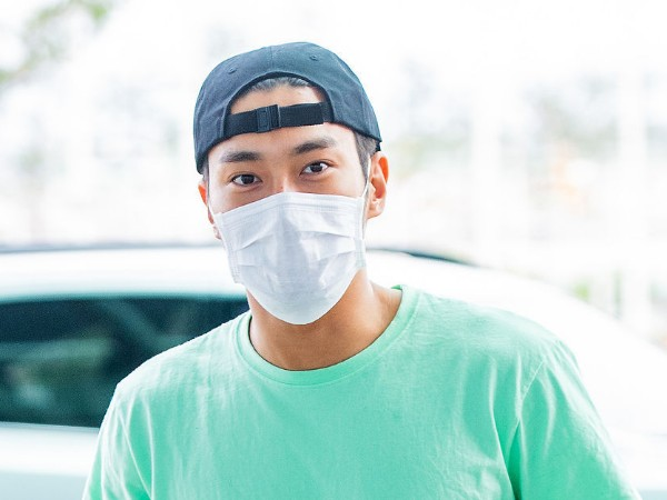Siwon Super Junior Tampil Super Santai di Bandara Menuju Bali