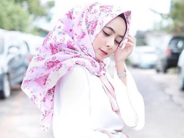 Siapa Sangka Hijab Bisa Jadi Faktor Pemicu Timbulnya Jerawat?