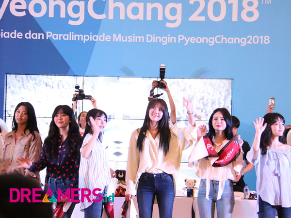 Fansign Pertama di Indonesia, Girl Band AOA Kagum dengan Antusiasme Para Elvis!