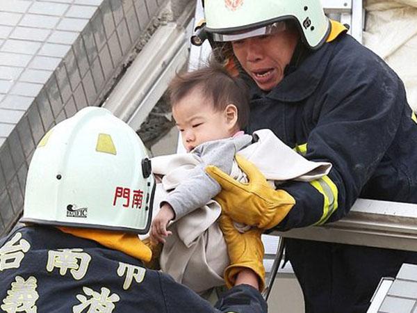24 Jam Terkubur Reruntuhan Akibat Gempa di Taiwan, Balita Ini Berhasil Diselamatkan